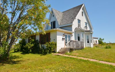A Must See Summerside Home!