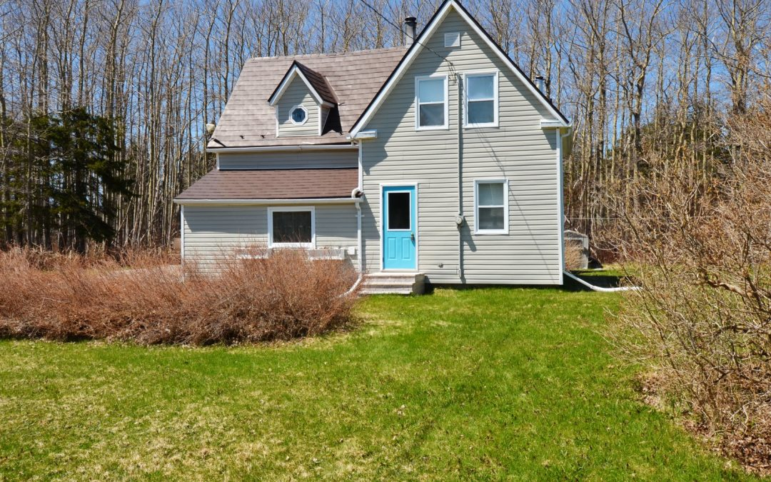 Charming, Impeccable PEI Home in Cable Head West!