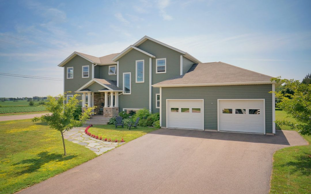 Impressive Summerside Home!